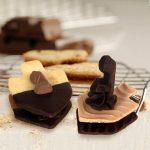 סביבונים-בשוקולד חותכן עוגיות סביבון אותיות שוקולד